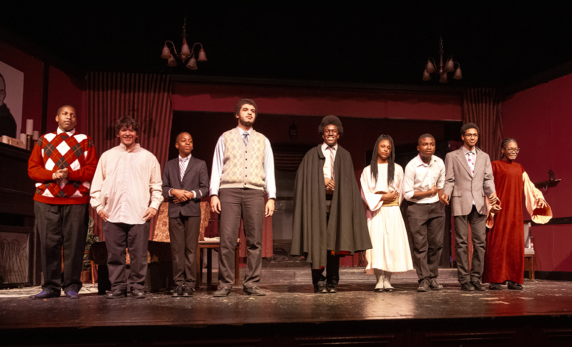 "Drama Guild stages ""The Passion of Dracula"" (View photos)"